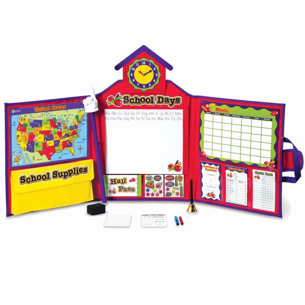 Pretend and playschool set